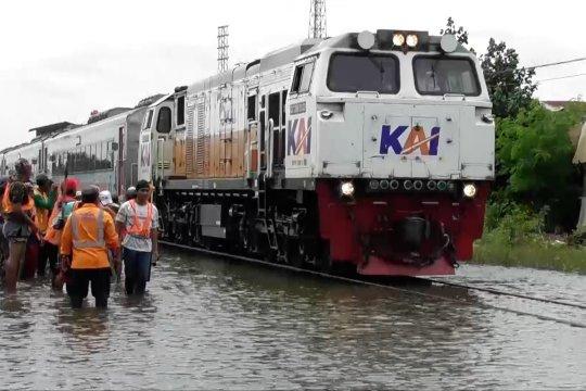 Perjalanan kereta lintas utara normal kembali pasca banjir