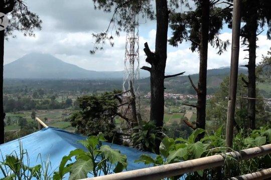 Puncak Gundaling, destinasi wisata persinggahan menuju kawasan Danau Toba