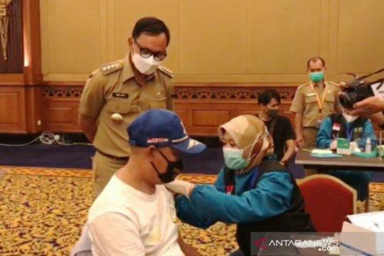 Bima Arya berikan jatah vaksinnya kepada relawan