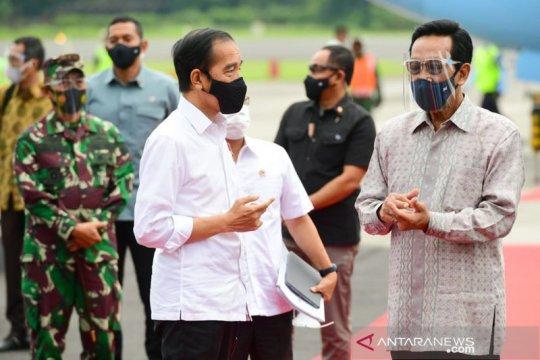 Presiden Jokowi tinjau vaksinasi massal dan resmikan KRL di Yogyakarta