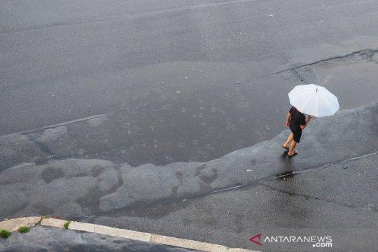 BMKG peringatkan beberapa wilayah berpotensi hujan lebat hari ini