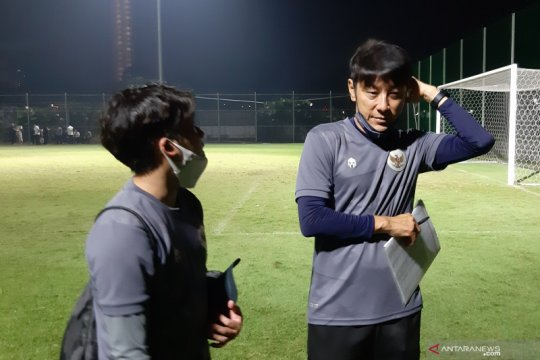 Pelatih Timnas Indonesia Shin Tae-yong positif COVID-19