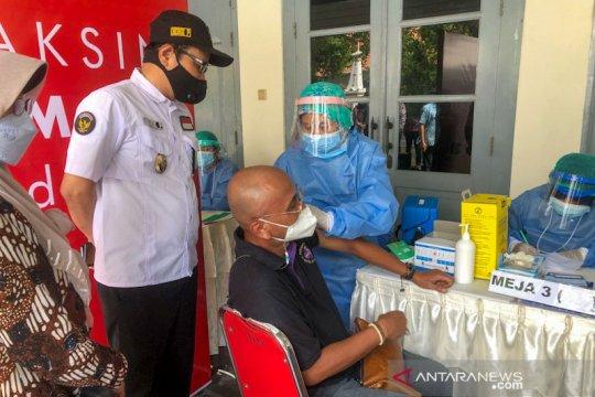 Pelaku usaha akomodasi wisata di Yogyakarta jalani vaksinasi COVID-19