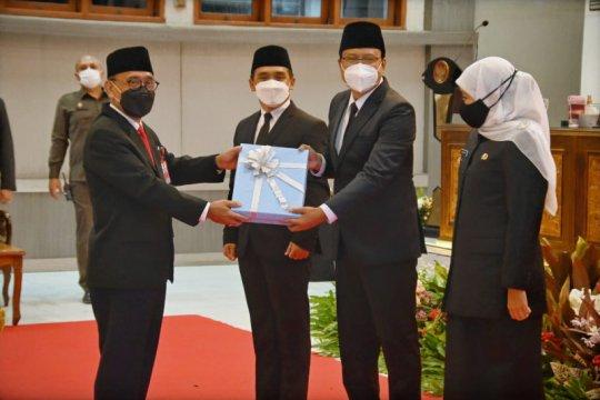 Khofifah tantang Gus Ipul jadikan Pasuruan sebagai Singapura-nya Jatim