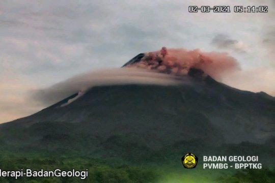 Awan panas guguran Merapi meluncur sejauh 1.900 meter