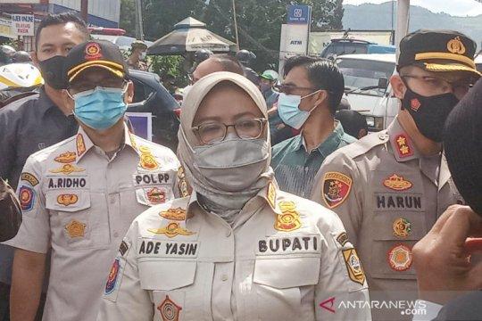 Tunaikan janji, Bupati Bogor naikkan insentif Linmas jadi Rp3,6 juta