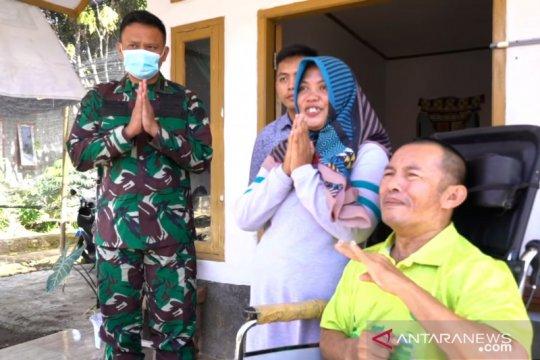 Istri Kasad motivasi prajurit yang kini tak berdaya karena stroke