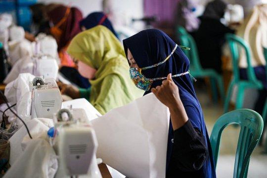 PKT berdayakan mitra binaan produksi masker dan APD