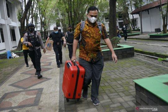 Kasus Nurdin Abdullah, KPK temukan Rp1,4 miliar dan 10 ribu dolar AS