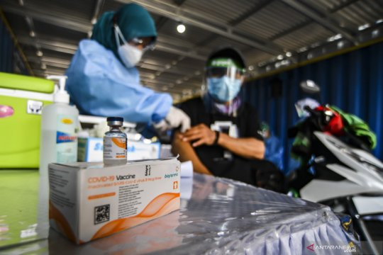 Kolaborasi vaksinasi lansia Pemerintah-Gojek diapresiasi mitra driver