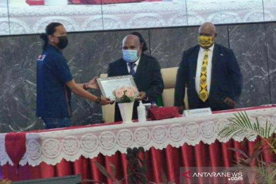 Gubernur Papua terima penghargaan atas kinerja inovatif selama pandemi