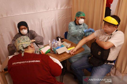 Optimalkan perdagangan, Pemkot Bandung mulai vaksinasi di mal