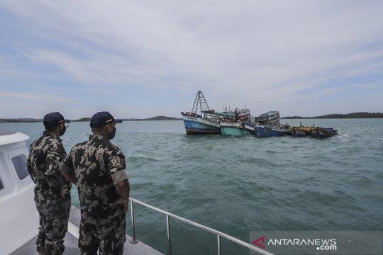 Terbukti illegal fishing, Kapal nelayan asing ditenggelamkan di Batam
