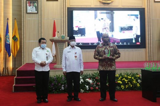 Disnaker Banten bantah sejumlah pabrik hengkang dari Banten