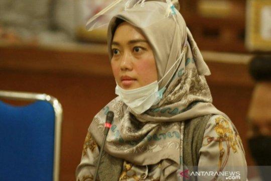 Wagub Lampung Chusnunia Chalim bantah semua pertanyaan Jaksa KPK