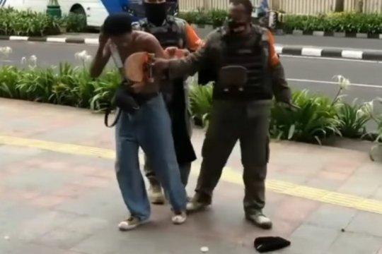 Kasatpol PP DKI: Tidak ada perampasan skateboard di Hotel Mandarin