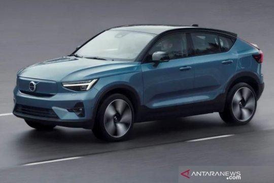 SUV listrik Volvo C40 Recharge siap dijual online