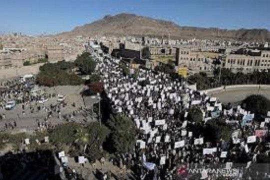 Warga: Koalisi pimpinan Saudi serang lokasi militer Houthi di Sanaa