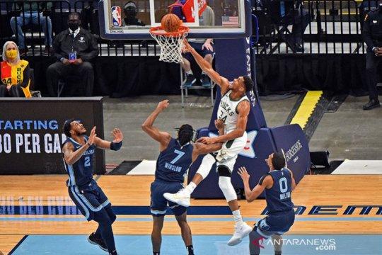 Hasil pertandingan NBA : Antetokounmpo dan Kyrie Irving cemerlang