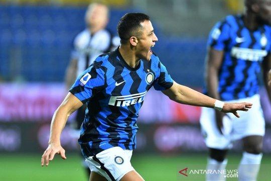 Alexis Sanchez dua gol, Inter amankan tiga poin dari Parma