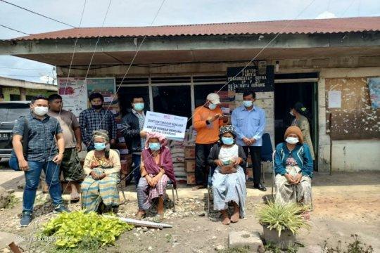 BRI salurkan sembako dan masker untuk warga di sekitar Sinabung