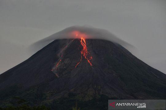 Guguran lava pijar Merapi