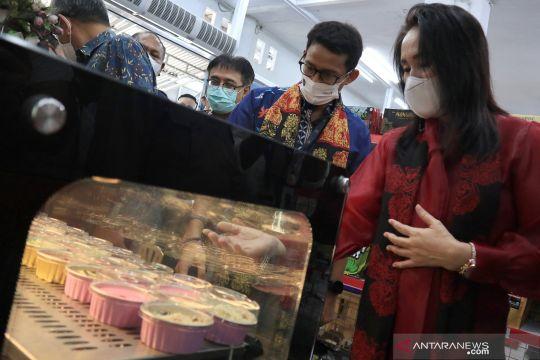 Menteri Pariwisata kunjungi pusat oleh-oleh di Manado