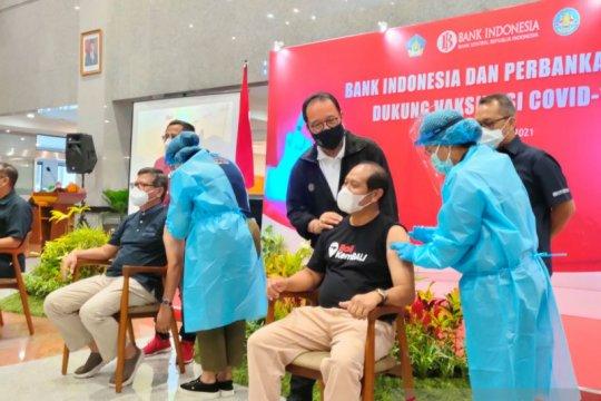 BI-OJK dan pelaku industri keuangan di Bali terima vaksinasi COVID-19