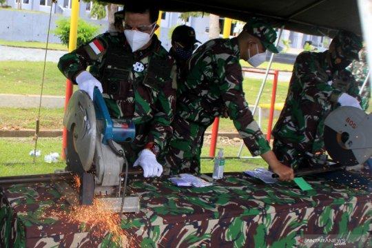 Pemusnahan senjata milik warga eks Timor Timur