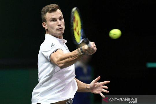 Fucsovics maju ke final ATP 500 perdananya di Rotterdam