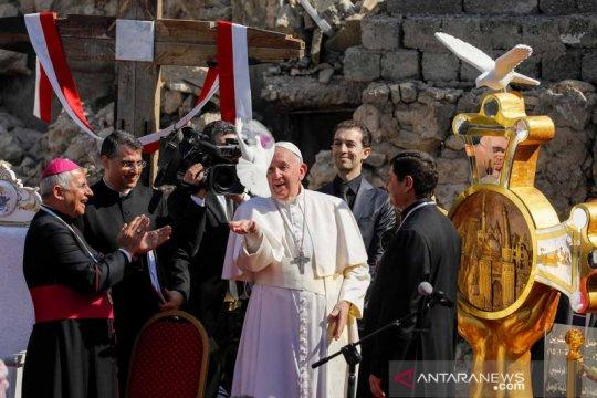 Paus Fransiskus dengarkan pengalaman warga Irak saat diperintah ISIS