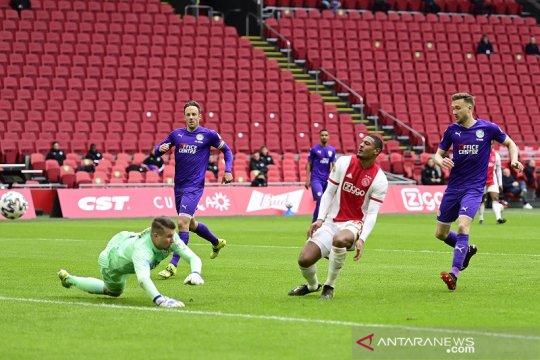 Ajax mantap di puncak setelah tundukkan Groningen