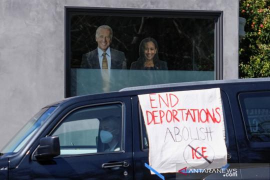 Demokrat desak Biden lawan dimulainya kembali kebijakan imigrasi Trump