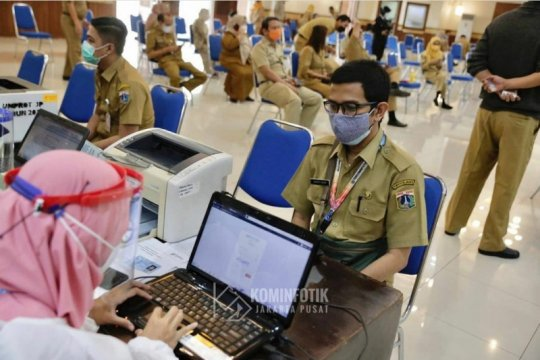 300 ASN di Jakarta Pusat jalani vaksinasi COVID-19