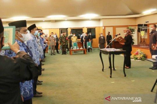 Bupati Bogor lantik 101 kepala puskesmas demi penanganan pandemi