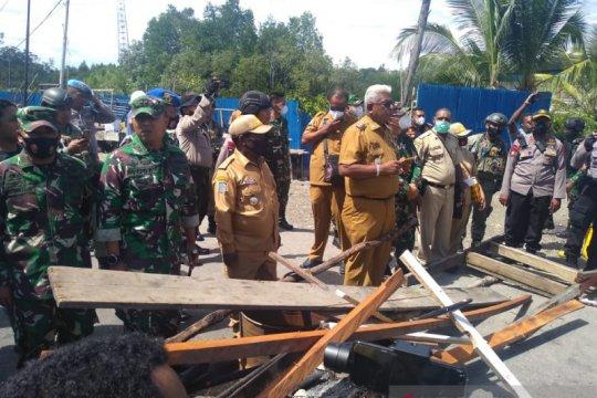Jalan poros Timika-Pomako diblokade warga sudah dibuka