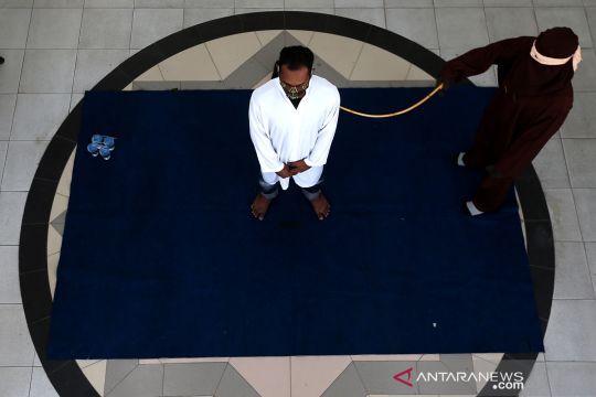 Hukuman cambuk saat pandemi COVID-19 di Banda Aceh