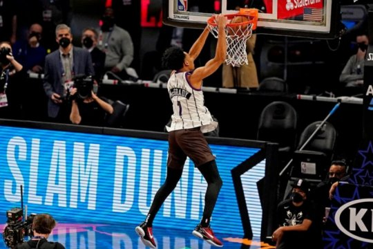 Anfernee Simons menangi kontes slam dunk NBA All-Star