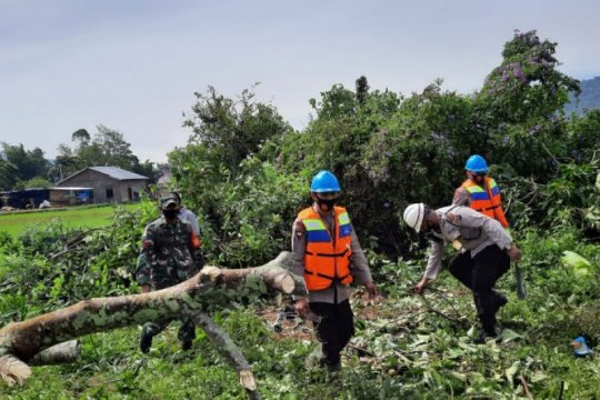 Brimob Sumut turunkan tim bantu korban puting beliung Tapanuli Utara