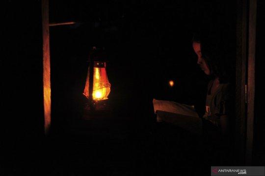 Daerah terisolir yang belum teraliri listrik di Sumatera Barat