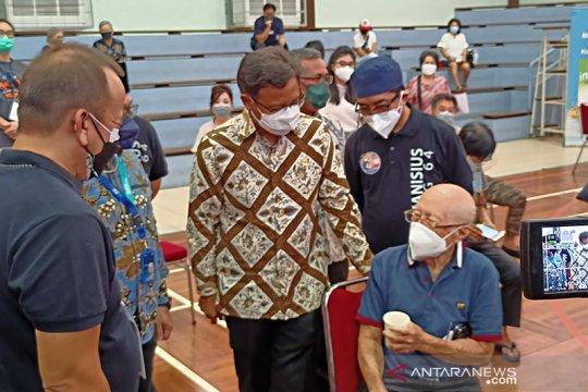 Alumni Kolese Kanisius selenggarakan vaksinasi untuk 2.500 lansia