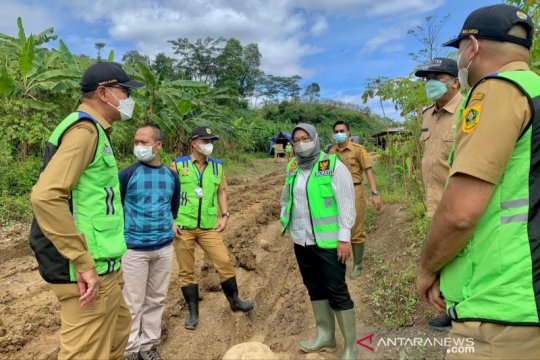 Bupati Bogor siap lapor PUPR usai tinjau lahan calon Jalur Puncak II