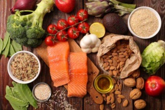 Jangan diet, ibu menyusui harus memiliki enam zat gizi penting