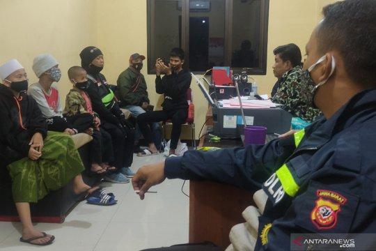 Oknum guru ponpes di Cianjur dilaporkan ke polisi