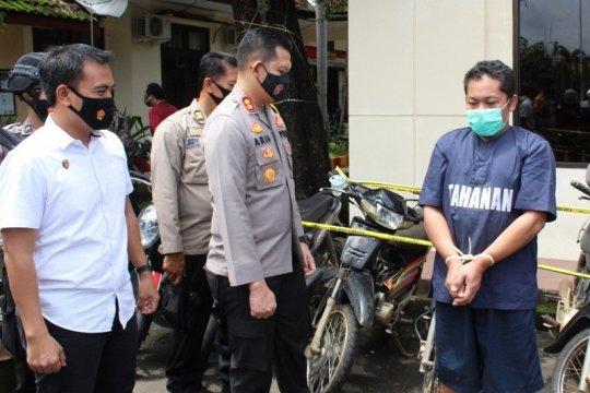 Polisi tangkap pencuri spesialis sepeda motor terparkir di masjid
