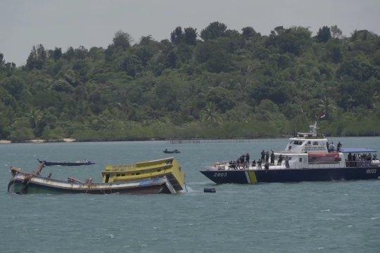 10 Kapal ikan asing ditenggelamkan di Batam