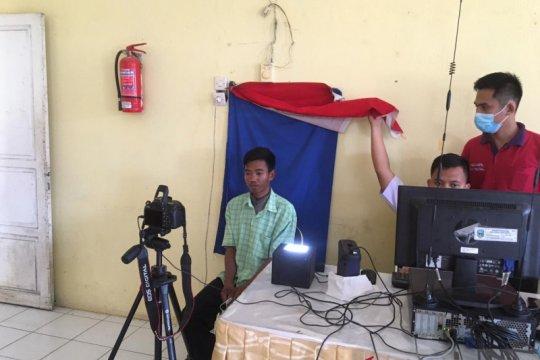 Warga Suku Anak Dalam di Jambi dibantu Kemensos cetak 94 KTP-el
