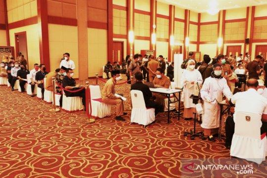 Bintan mulai vaksinasi pekerja wisata jelang pintu masuk wisman dibuka