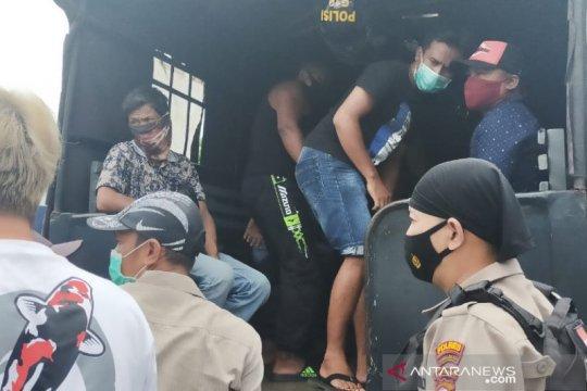 Polisi ungkap judi sabung ayam di Tasikmalaya, tangkap 25 orang