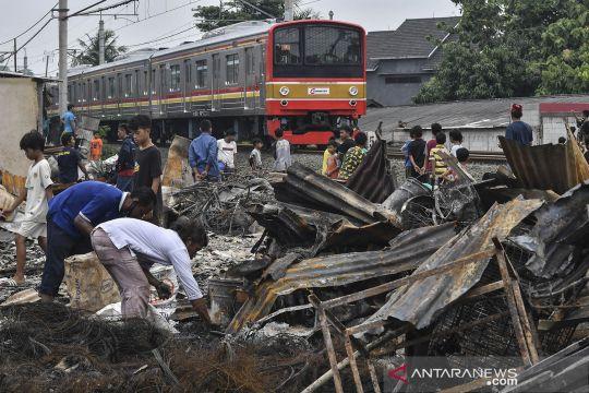 Pascakebakaran lapak pedagang dan rumah di Tambun Bekasi